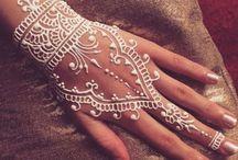 Tatuaj henna alb