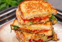 Sandwiches, Bocadillos / Las mejores recetas de bocadillos de la red  Puedes ver todas estas recetas en  www.comparterecetas.com Recetas de sandwhiches