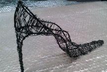 tacco dodici / scarpa da donna realizzata in ferro artigianalmente con finitura trasparente. Vendibile su facebook ferro matto €