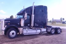 Used 2000 Freightliner 60 Detroit Series for Sale ($19,000) at  Kimberly , ID / Make:  Freightliner, Model:  60 Detroit Series, Year:  2000, Body Style:  Tractor, Exterior Color: Black, Interior Color: Blue, Doors: Two Door,  Vehicle Condition: Excellent, Mileage:712,000 mi, Fuel: Diesel, Transmission: Manual.     Contact: 907-253-5954  Car Id (56124)