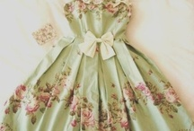 Mini Paper Dresses / by Elaine Beckham