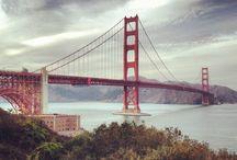 """San Francisko / Město San Francisco (španělsky: """"Svatý František"""") bylo založeno v roce 1776, kdy zde španělští kolonisté založili pevnost a misii pojmenovanou po Svatém Františkovi z Assisi. Kalifornská zlatá horečka z roku 1849 způsobila jeho rychlý růst a díky tomu se město stalo v té době největším na západním pobřeží USA. Poté, co bylo v roce 1906 ze tří čtvrtin zničeno zemětřesením a požárem, bylo San Francisco rychle obnoveno."""