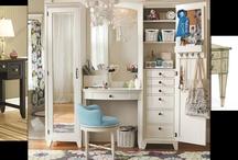 Vanity & closet!
