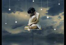 Alcanzando  la Luna y las estrellas (dibujos) / by Yolanda Amatriaín