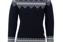 Sweater weather | SkiWebShop / The perfect cozy (ski) sweaters for her from SkiWebShop.