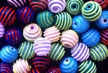 Pärlmakeriet pärlor / Handgjorda glaspärlor från Stockholms Pärlmakeri