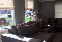 Inrichting woonkamer in Vriezeveen 11-02-2016 / Bij deze mensen hebben een mooi groot bankstel geplaatst en daarbij mooie accessoires in de woonkamer gezet.