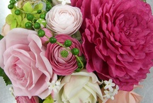 Gumpaste flowers / by Linda Mashni