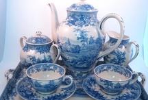 Porcelán,- tál,- csésze,- váza / Minden ami belefér