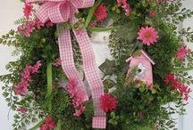 Wreaths of all Seasons / by ❄️ ⛄️ ❄️Beth Ann❄️ ⛄️ ❄️