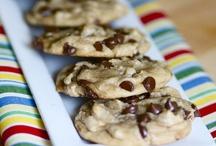 Food-Cookies / by Mary Oldenkamp