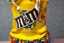 M & M Cakes, cookies and cupcakes