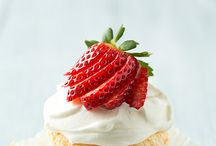 Cakes and cupcakes / Mms2 @9 / by Dalila Silva