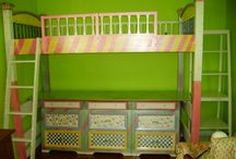 Mural Painting: Beds and Around Beds / Beds painted for theme rooms and murals painted on headboard walls