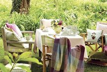 Garden Summerhouse Inspiration / Ideas for sorting out the summerhouse from storage space to afternoon tea/snooze space