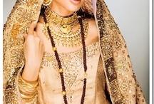 Weddings Around the World / International wedding style, wedding customs, bridal customs, Chinese weddings, Indian weddings, Russian weddings, exotic bridal fashion