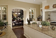 Kitchens & Dining Spaces / The kitchen is in the heart of the home. It is where you family gathers and memories are made. The kitchen should be anything but ordinary. Building a custom kitchen make the kitchen a personal space in your luxury home.