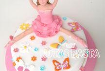 Kız Çocuk Pastaları (cake for kids) / Kız çocuklara özel hazırlanan butik pasta tasarımlarını içeriyor. Disney prensesleri, elsa, frozen, minnie mouse, rapunzel, sindirella gibi bir çok çizgi film karakteri pastalar. Birbirinden özel tasarımları burada bulabilirsiniz :)