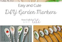 Plants and Gardening with Kids / Teaching kids about seeds, plants and gardening with fun books and activities. #GardeningWithKids #SeedActivitiesWithKids #PlantingWithKids #GardenActivitiesForKids