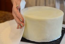 Cake decorating / by JoAnn Vessah