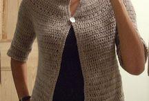 Ζακεταhttps://milobo.wordpress.com/2007/12/16/eyelet-yoke-crochet-cardigan-tutorial/
