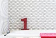 salles de bain enfants (avec baignoire) et parents (juste douche italienne)