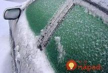 zmrznuté okná na aute