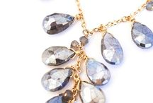 Necklaces / Explore our pretty collection of jewelries that you'll just love to wear around your neck.