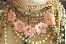 Jewellery / I adore jewellery, and here are some pieces that particulary caught my eye