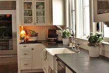 Country kitchen / by Julie Robertson Howlett