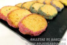 galletas de manzana. / Originales y coloridas galletas de manzana. Fácil receta casera, paso a paso.  http://www.golosolandia.com/2015/01/galletas-de-manzana.html