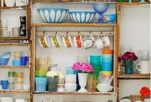 Retro/vintage tins, dishes etc.