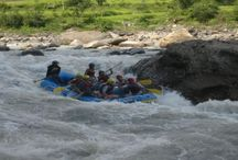 Rafting in Nepal / Nepal is one of the best places in the world for river rafting. Numerous fine rivers offer excellent opportunities for rafting. Canoeing and simply immersing oneself in the magnificent landscape. No other country has such a choice of trips on wild rivers with warm water, a subtropical climate and white sand beaches. Truly, this could be the highlight of your lifetime.