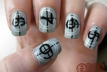 Nails / by Whitney Diana
