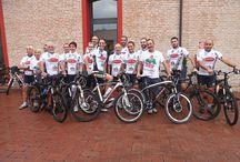 """Bikers per L'Emilia / Eccoci!  Siamo i """"Bikers per l'Emilia"""", un gruppo di ragazzi emiliani che cercano di unire la loro splendida passione per la mountain bike a una raccolta fondi per la ricostruzione nei comuni colpiti dal sisma del maggio 2012."""