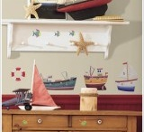 Seaside themed bedroom / Seaside themed bedroom and accessories including playhouse, storage boxes and yachts