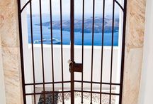 Place to go -> Santorini ! / Something about the most beautiful place on the world -> SANTORINI !