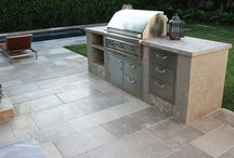 Outdoor Kitchen & Grill