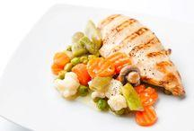 Carta de platos / Nuestra carta de platos de comida sana 100% natural, sin conservantes y cocinada con aceite de oliva Virgen Extra.