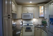 Florida Kitchen Design Ideas / Kitchen Designs by American Kitchen and Bath is a full service design and remodeling contractor specializing in kitchen renovation.
