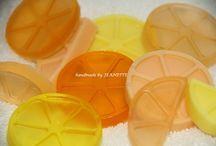 Hand made mydlá - Hand made soap / Voňavé, farebné, veselé, zdravé a hlavne doma vyrobené mydlá.