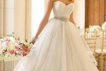 Wedding dresses / by Faith Mason