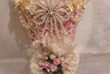 Tussy Mussy / vintage and shabby chic cones