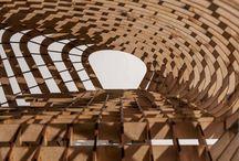 ESTRUCTURAS ARQUITECTÓNICAS / 1.¿Qué son estructuras arquitectónicas?  -Son el ordenamiento mental y material de elementos significativos dentro de la experiencia humana. Aquello que carece de estructura definida es un fenómeno perceptual o imaginario que sólo posee forma tangible o posible