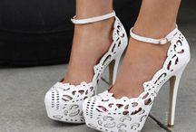 Sapatos de renda