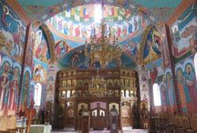 Churches, temples, mosques... / Churches, mosques, temples, synagogues....