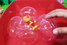 お風呂で遊ぼう!バルーンボートとアンパンマンおもちゃ❤アニメ&おもちゃAnpanman toys