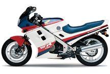 Honda VFR / Motorcycle