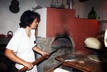 La cottura del pane carasau.