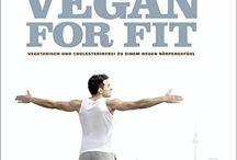 Kochbücher / Vegetarische und vegane Kochbücher, die bei mir im Küchenregal stehen und gerne zur Inspiration herangezogen werden.